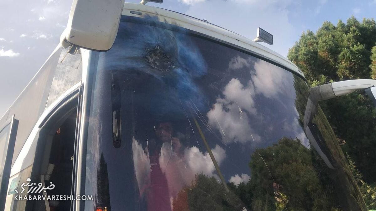 باید با آرپیجی اتوبوس پرسپولیس را در اصفهان میزدند!/ واکنش هواداران پرسپولیس!