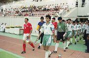 عکس  تکل خشن هافبک عراقی روی پای هافبک تیم ملی در جام ملتهای ۱۹۹۶