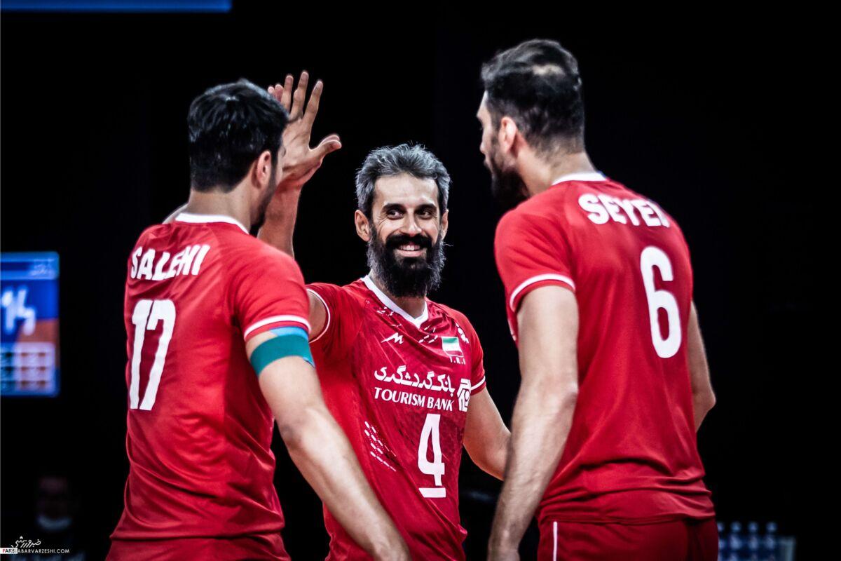 زیباترین عکس از پیروزی ایران بر آمریکا در لیگ والیبال/ تصاویر فریاد شادی ستارههای والیبال ایران مقابل آمریکا