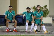 عکس  نگاه حسرتبار ستاره تیم ملی به تمرین ملیپوشان