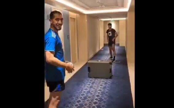 ویدیو| تنیس فوتبال حسینی و عابدزاده در راهرو هتل و بدخوابی اسکوچیچ
