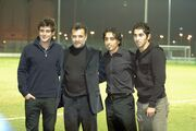 عکسی جالب از محمدرضا گلزار در کنار ستارههای استقلال و پرسپولیس