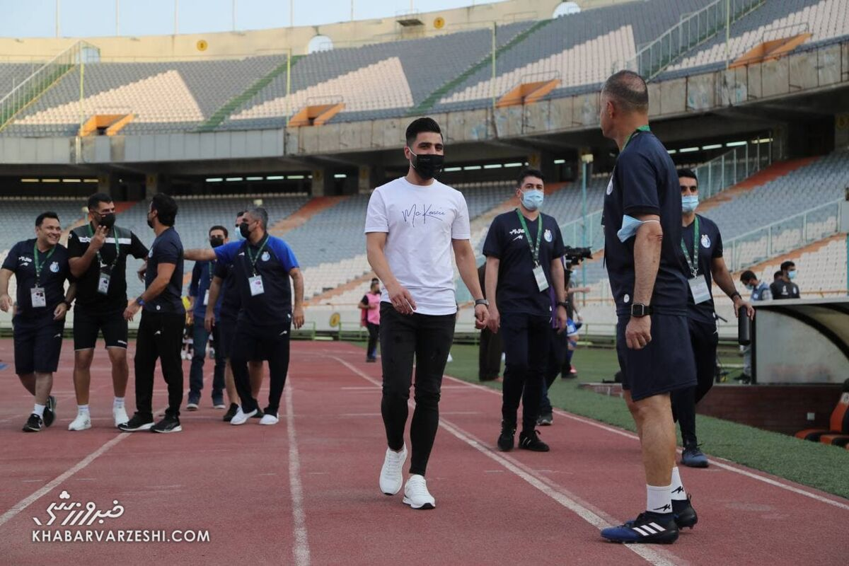 هافبک ناراضی استقلال به فدراسیون فوتبال رفت
