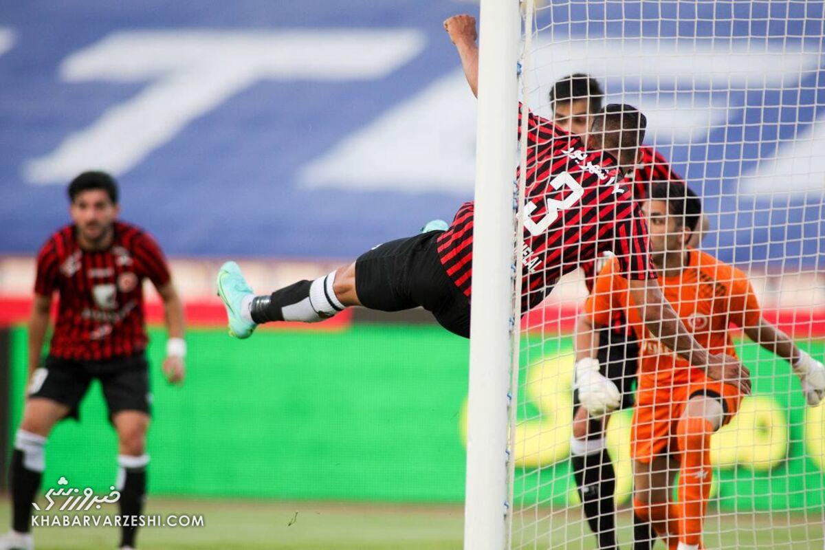 رونمایی از اولین خرید فصل آینده یحیی گل محمدی/ ستاره لیگ برتری به پرسپولیس قول داد