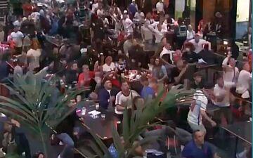 ویدیو  شادی هواداران انگلیس پس از صعود به نیمه نهایی یورو ۲۰۲۰