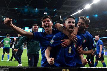 ایتالیا یک (۴) - اسپانیا یک (۲)/ آتزوری در فینال؛ نزدیکتر شدن به رؤیای ۵۳ ساله