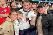 ویدیو  شادی وین رونی و فرزندانش پس از گل برتری انگلیس به دانمارک