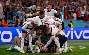 انگلیس ۲ - دانمارک یک/ سهشیر سرانجام فینالیست شد؛ جام در خانه میماند؟