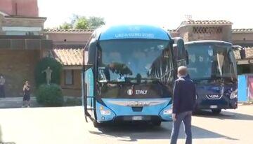 ویدیو  جا ماندن ویالی از اتوبوس تیم ملی ایتالیا برای سفر به لندن!
