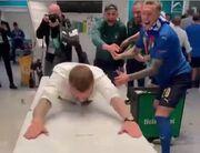 ویدیو  شیرجه رفتن دنیله ده روسی در رختکن ایتالیا بعد از قهرمانی در یورو ۲۰۲۰