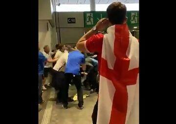 ویدیو  هجوم تماشاچیان خشمگین انگلیس به هواداران ایتالیا
