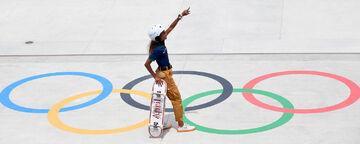 عکس| دختر کوچولویی که مدال المپیک گرفت