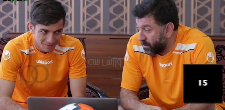 ویدیو  تاریخ فوتبال: مرحوم انصاریان با نگاه، ملی پوشان را می خنداند