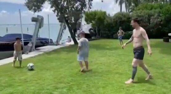 ویدیو  فوتبال بازی کردن لیونل مسی همراه فرزندانش