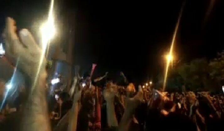 ویدیو  تشویق ایسلندی یحیی گل محمدی مقابل ورزشگاه شهرقدس