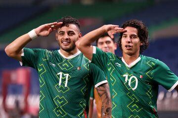 مکزیک ۳ - ژاپن ۱/ میزبان به برنز فوتبال هم نرسید