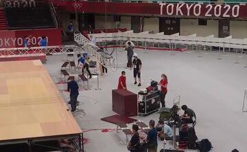ویدیو  سالن کاراته بعد از پایان رقابت های المپیک در حال جمع آوری وسایل