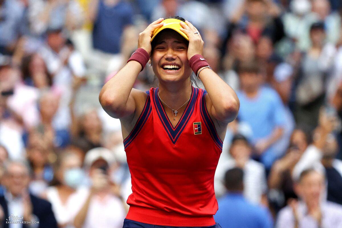 آشنایی با ملکه جدید تنیس جهان/ امتحانات دبیرستان را داد و گرنداسلم گرفت!/ نوجوانی که جالبترین داستان تاریخ ورزش را رقم زد/ ملکه بریتانیا به وجد آمد
