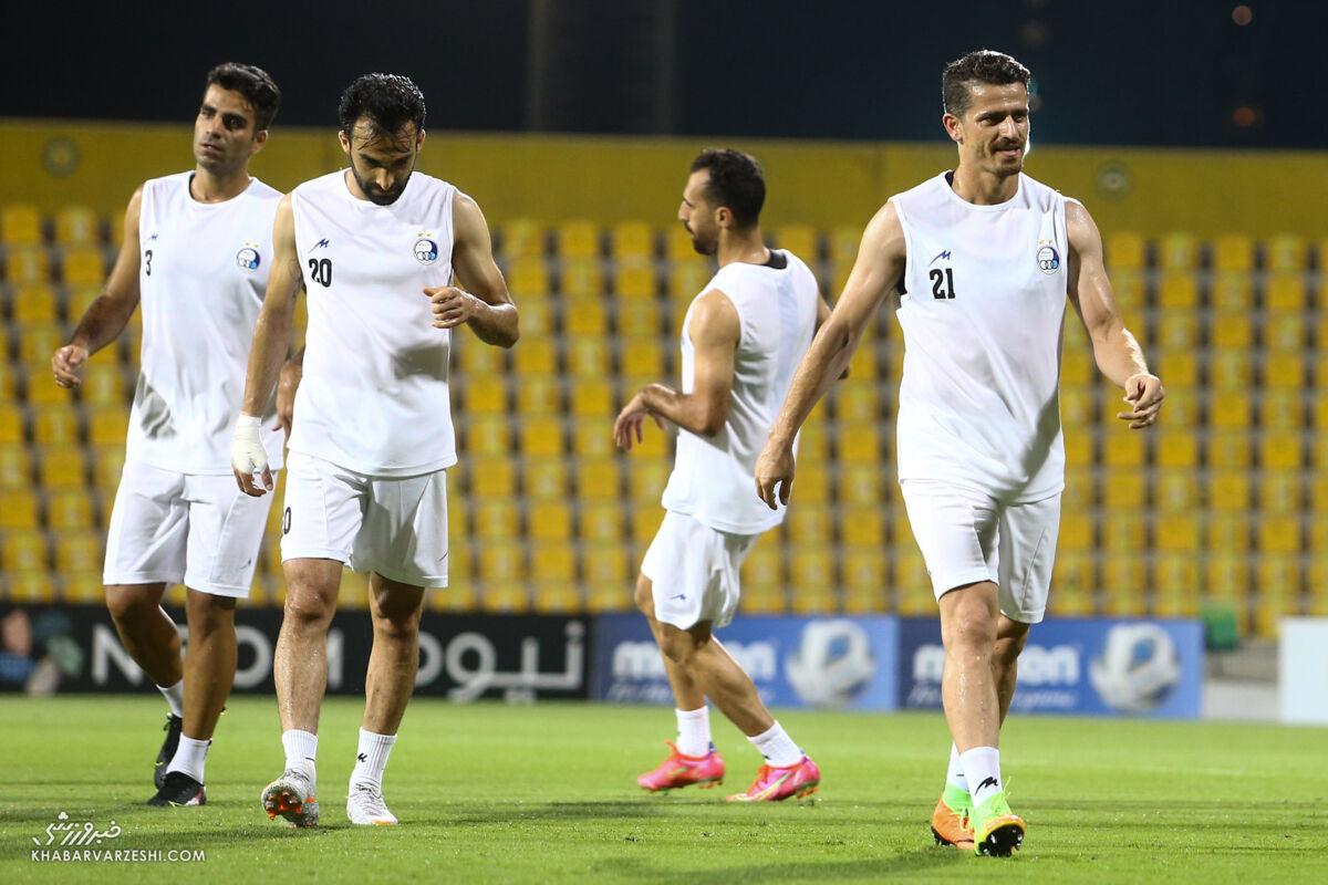 فرهاد مجیدی استقلال را تعطیل کرد و در دبی ماند!