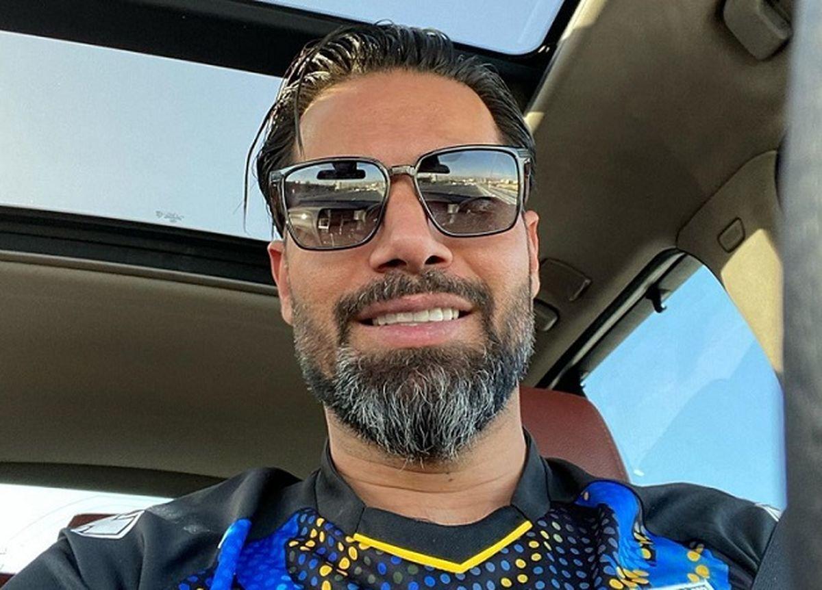 ویدیو  تزریق «فایزر» و توزیع نوشابه و بستنی دوقلو در باشگاه استقلال