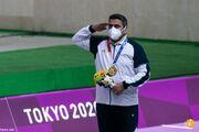 ببینید| هدیه متفاوتی که طلایی المپیک از رهبر انقلاب گرفت