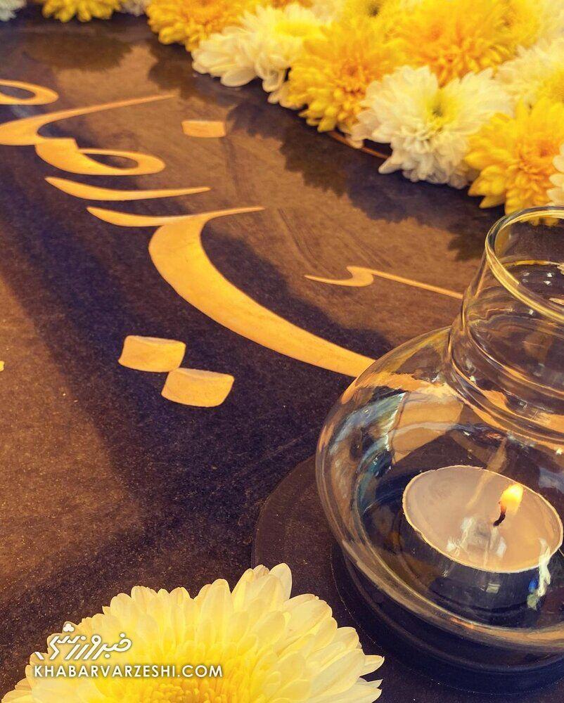 اولین تصاویر سنگ مزار دکتر حمیدرضا صدر/ شاید باورتان نشود ولی بسیار به مرگ میاندیشم ...
