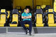 تصاویر| جنجال شیوه نشستن رئیس فدراسیون فوتبال/ ماجرای عیسی کلانتری تکرار شد