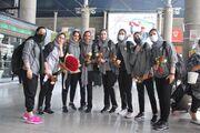 تصاویر ورود زنان والیبالیست سایپا به ایران/ پوشش هماهنگ و استقبال خانوادهها