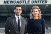 مهرداد قدوسی و آماندا استیولی؛ زوج کلیدی انتقال سهام نیوکاسل به شاهزاده سعودی را بشناسید