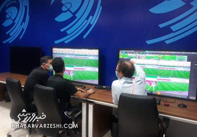 ببینید| بررسی خطای پنالتی روی طارمی با VAR ورزشگاه آزادی/ یک پیروزی بزرگ از ایران گرفته شد؟