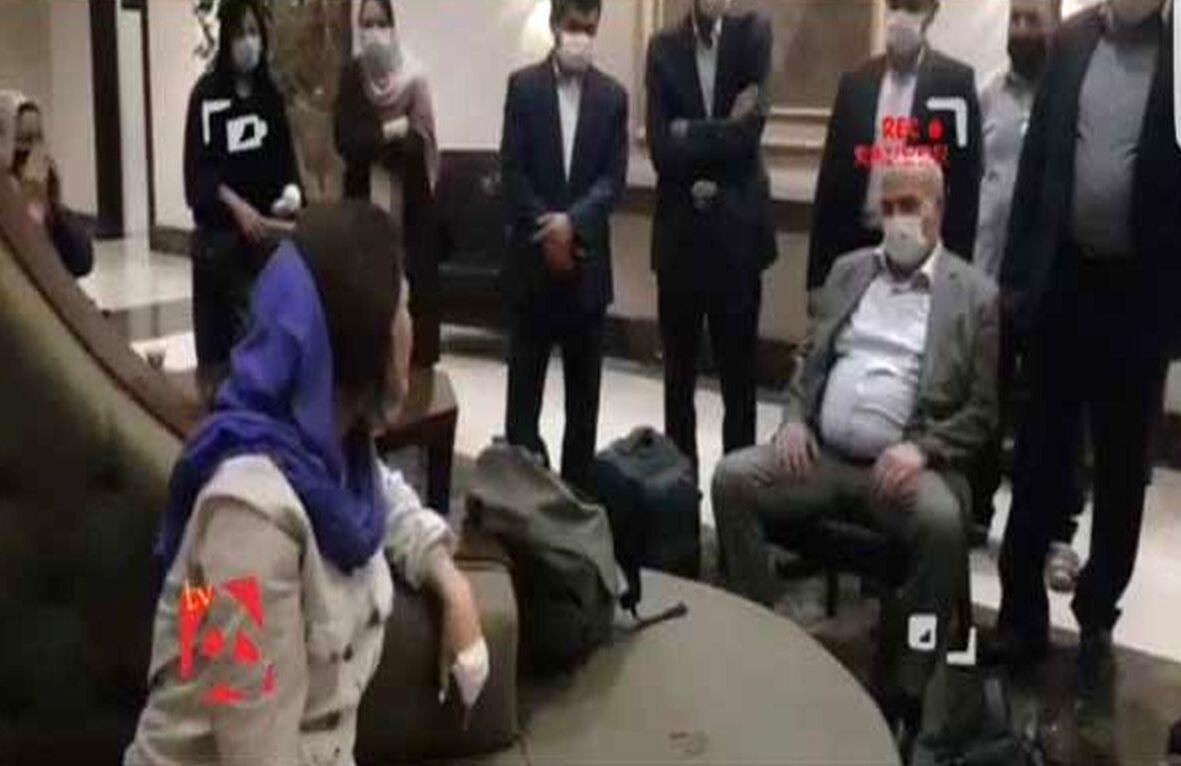 تصاویر| فاجعه شیوه نشستن رئیس فدراسیون فوتبال/ ماجرای جنجالی عیسی کلانتری تکرار شد