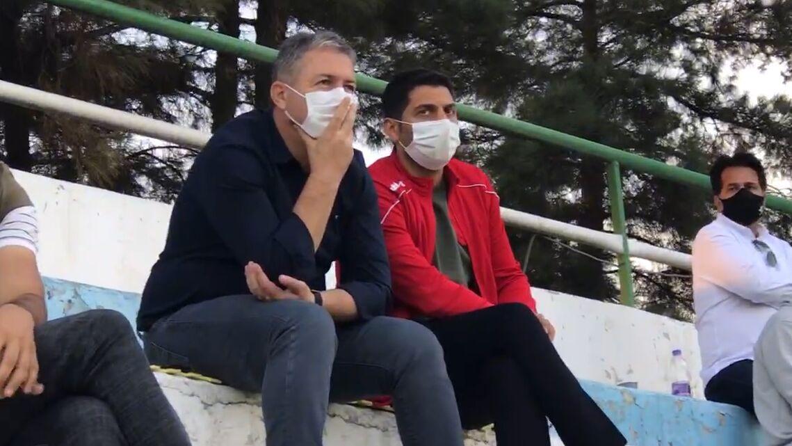 ویدیو  حضور سرمربی تیم ملی در دیدار نساجی و سپاهان