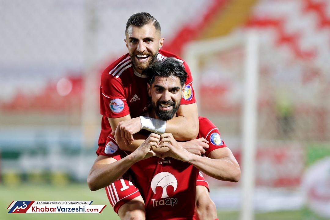 با یک تیم اروپایی قرارداد امضاء کردم و به فوتبال ایران فکر نمیکنم!