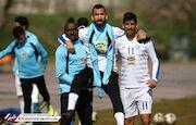 عکس| شوخی بازیکنان استقلال با بتمن