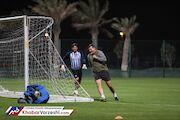 عکس| علی دایی در قطر پا به توپ شد