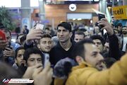 گزارش تصویری  بازگشت بیرانوند در میان استقبال هواداران در فرودگاه