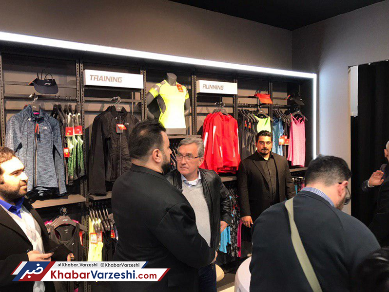 تصاویر|حضور برانکو، عرب و خلیلی در افتتاحیه فروشگاه پرسپولیس
