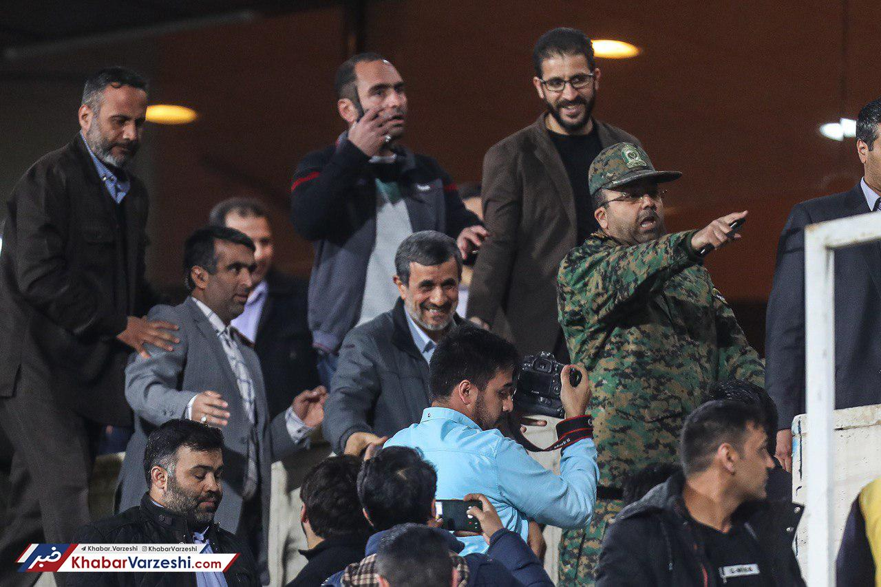 گلایه احمدینژاد از ممنوعیت ورود زنان به ورزشگاه