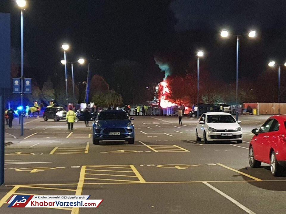 عکس| سقوط هلیکوپتر مالک لستر در پارکینگ ورزشگاه