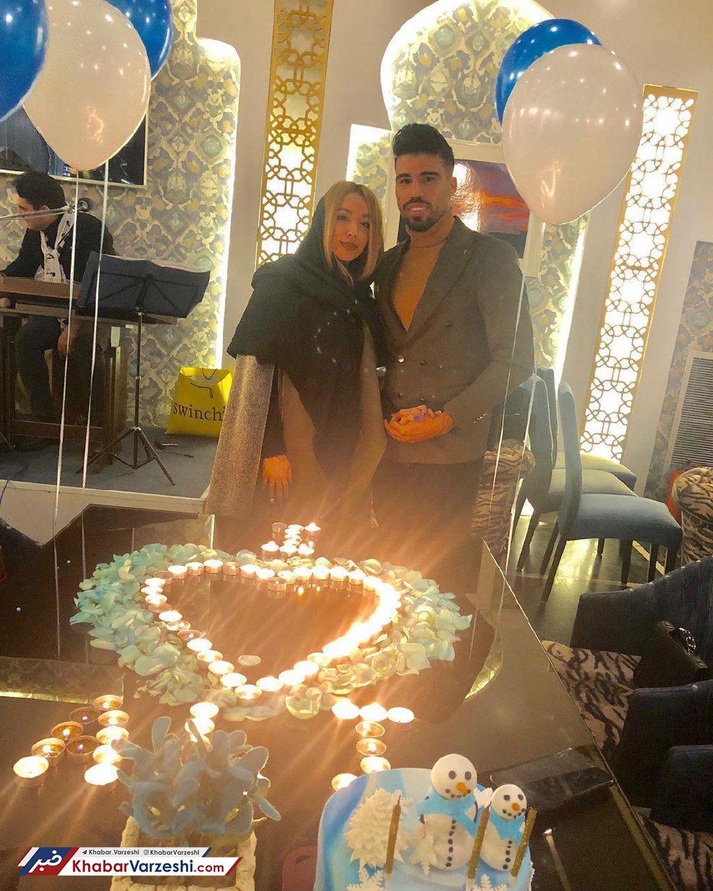 عکس  تولد علی دشتی در حضور همسرش