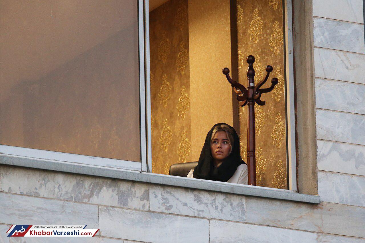 عکس روز -  غافلگیری همسر بازیکن خارجی در ایران!