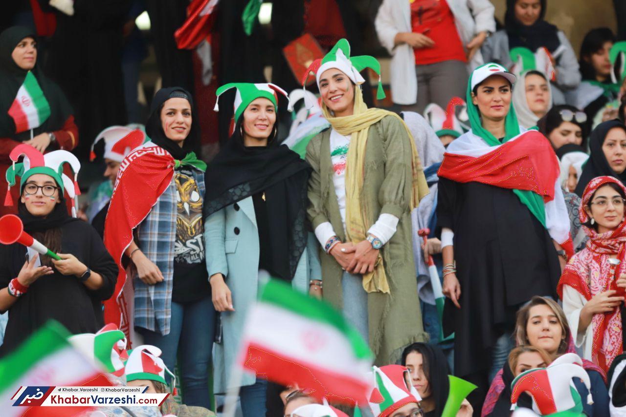 338008_308 شادمانی قهرمانان رزمی روی سکوهای آزادی