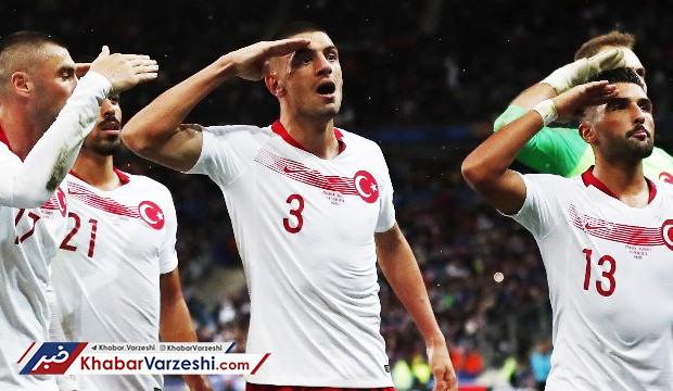 عکس -  بازیکنان ترکیه منفور شدند