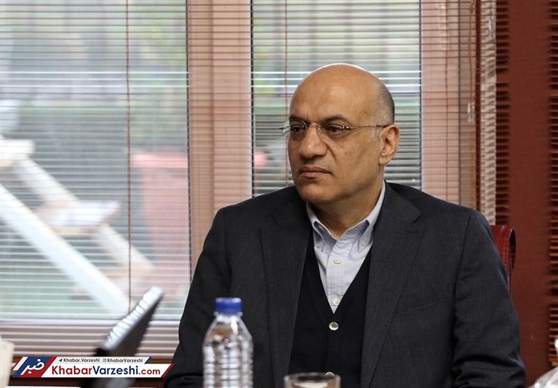 دعوا میان مدیرعامل استقلال و فتحی بالا گرفت مدیر عامل سابق استقلال احمد سعادتمند را تهدید به شکایت کرده است.