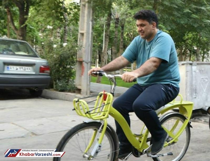 محمود کلهری: کودک «نیالا» یی گفت شهردار شوم برای نوهات دوچرخه میخرم