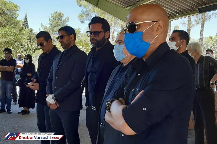 عکس| اشکهای آندو در مراسم تدفین سرژیک