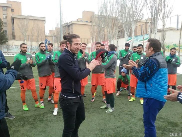 عکس| خداحافظی آندرانیک با بازیکنان ماشین سازی