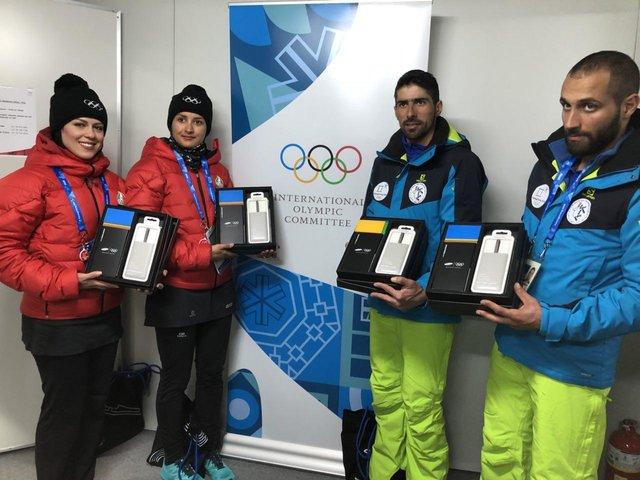 Image result for گوشی های سامسونگ بازی های آسیایی ورزشکاران ایران