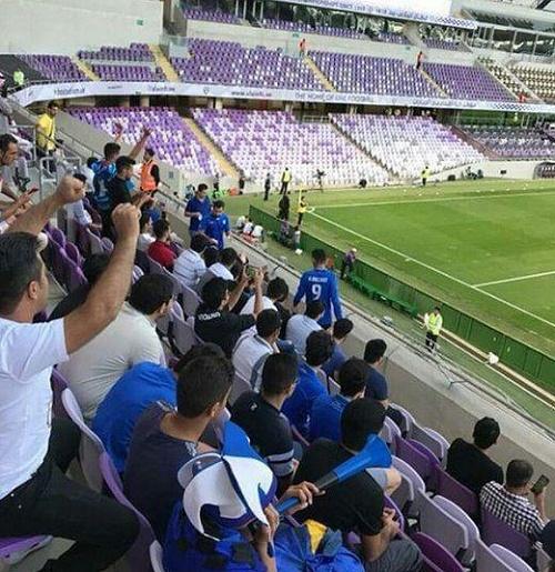 عکس| تماشاگران استقلال در استادیوم بن زاید