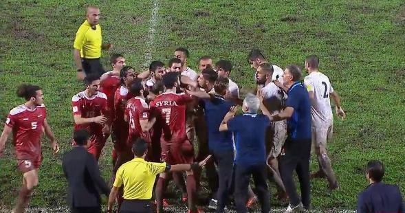 کتک کاری شدید بازیکنان ایران و سوریه